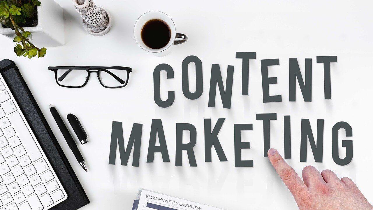 holiday marketing tips - content marketing