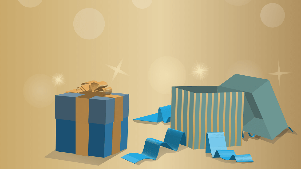 holiday marketing tips - giveaways